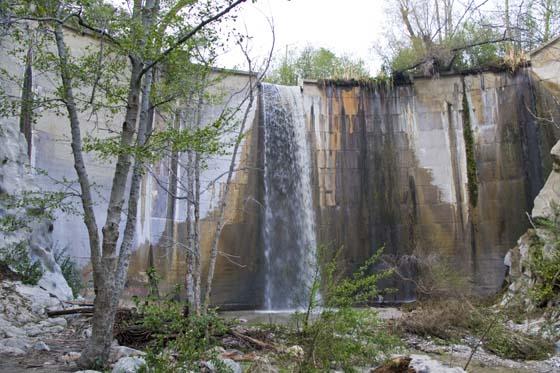 Brown Mountain Dam